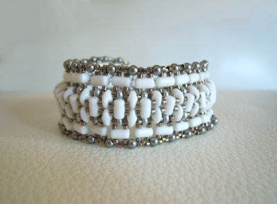 Instructions for the white Tendance bracelet