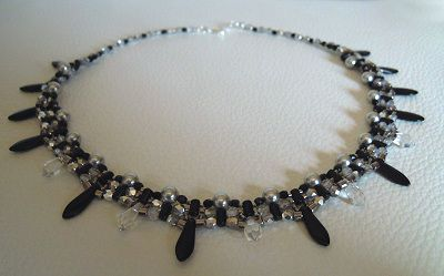 Black Rulladia Necklace pattern