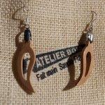 boucle d'oreille feuille en bois de hetre bijoux éthique en bois, bijou nature ciré, fait main