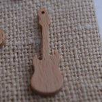 Breloque guitare électrique bois fait main