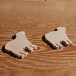 Miniature mouton, agneau, brebis a decorer,  loisirs créatifs embellissement bois fait main