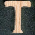 Lettre T en bois hauteur 5 cm, a peindre a coller