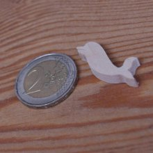 Figurine miniature dauphin 2.5 x 2.7 cm en bois loisirs créatifs, fait main