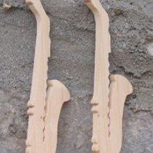 Figurine saxo  saxophone marque place mariage theme musique bois massif fait main