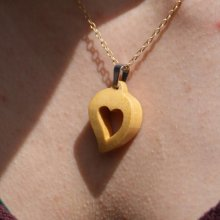 pendentif noce de bois  bijoux bois et nature coeur découpé, fait main, cadeau saint valentin, noces de bois