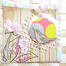 Mes amitiés avec ce cuicui dans son nid de fleurs suspendu sur fond multicolore graphique