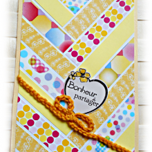 Carte scrapbooking faite mains type chevrons 'Bouton d'or' citron jaune moutarde