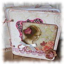 Mini album, grimoire Rétro 'Maman' aux fleurs romantiques shabby rose et beige