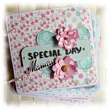 Mini album relié printanier à personnaliser 'Special Day Maman' rose bleu vert