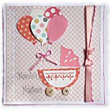 Une naissance de petite fille, cette carte 'moments magiques' coloris rose, blanc et gris souhaitera la bienvenue, à offrir pour féliciter les parents