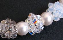 Crystal and white bead clusters necklace instructions