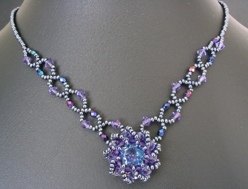 Syros Iridescent blue Necklace instructions