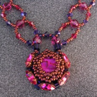 Vanuatu crystal and abalone bead necklace pattern