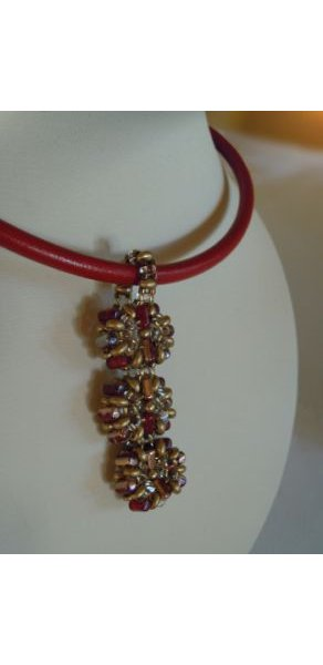 Red Indiana pendant pattern