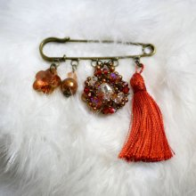 Broche Andros Hyacinth Pompon Paprika