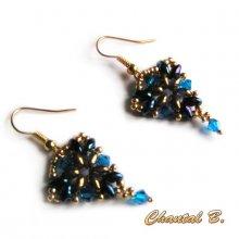 boucles d'oreilles triangle perles cristal Swarovski bleu et bronze doré