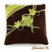 coussin de mariage porte alliances chocolat et fleurs de soie anis thème nature