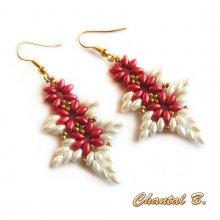 boucles d'oreilles pendantes perles tissées corail blanc et doré
