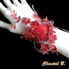 Bracelet dentelle rouge glamour et strass manchette de mariage
