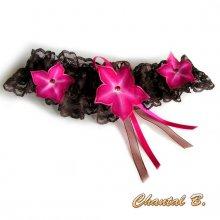 jarretière mariage dentelle chocolat fleurs de soie fuschia