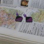 Boucles d'Oreille en Ardoise Emaillée violet, Montage sur ¨Pendants en Acier Inoxydable, Création Unique