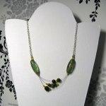 collier trois rangs vert sur chaine agentée