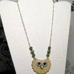 collier long sautoir chouette en cuir perles vertes montée sur chaine