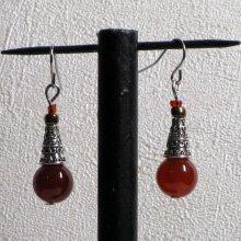 boucles d'oreille baroque rouge sombre et métal argenté