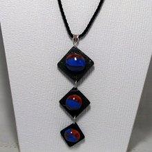 collier long cabochon bleu marron sur ardoise montage corde noire