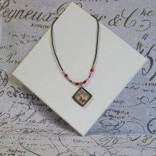 Collier Femme en Ardoise Motif Papillon Rouge Style Vintage