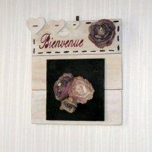 tableau en bois recyclé et ardoise bienvenue fleur et coeur