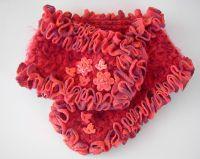 Col bijou chaud et doux rouge