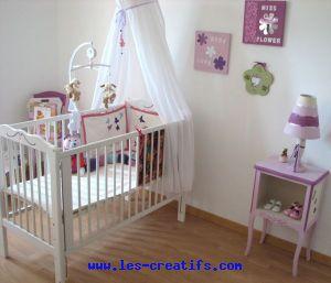 D co d 39 une chambre b b fille colo for Fabriquer deco chambre bebe