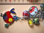 Bijou de sac, 18cm, oiseau émaillé multicolore, perles verre, breloques argentées