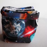 Pochon réversible et 7 lingettes,démaquillantes lavables coton, espace avec planètes fond noir