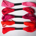 5 Echevettes coton, 5 fils 8m, 5 tons de rouges différents