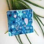 Lingette démaquillante lavable, tissu bleu turquoise avec mer