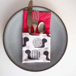 33- Serviette de table 33x33cm, escargots/rouge pois blancs