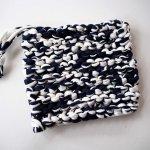 Porte-savon tawashi , lavable, inusable, tricoté main, coton bleu marin et blanc