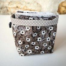 Pochon réversible et 7 lingettes, coton, petites fleurs blanches fond gris