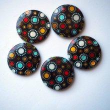 Lot 5 perles NACRE, 30mm, fond noir avec ronds multicolores, trou transversal+/-1mm