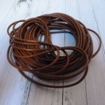 5 m de cordon en cuir marron : 2 mm