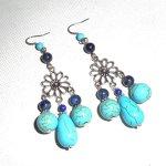 Boucles d'oreilles en pierres bleu turquoise  avec connecteurs florales