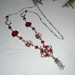 Sautoir en émail rouge et blanc avec perles en cristal