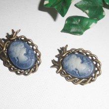Boucles d'oreilles clips avec cabochon camé bleu avec oiseau