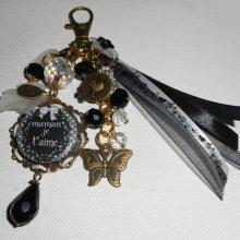 Bijoux de sac/porte clefs avec message 'maman je t'aime'et perles noires et blanches