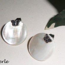 Boucles d'oreilles argent 925 avec palet de nacre et papillon