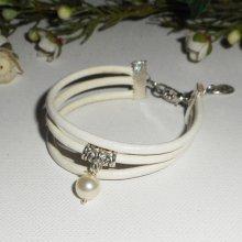 Bracelet multi-rangs en cuir blanc avec perle de culture