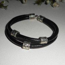 Bracelet en cuir noir double rangs avec perles en métal argent
