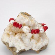 Bracelet en perles de culture et gorgone rouge